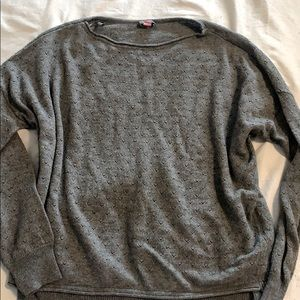 Vince Camuto flowy sweater size small